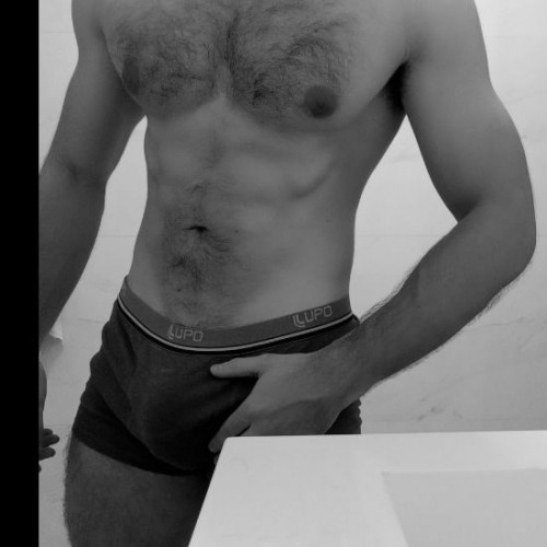 See pedrokent0 naked photo and video