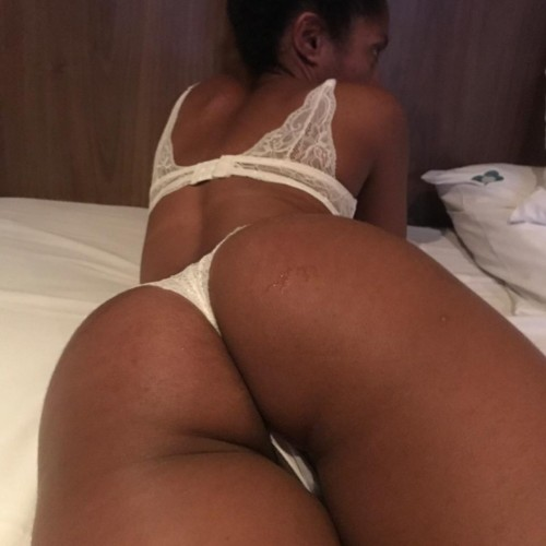 FREE porn pictures and short videos of madeinbrazilgirl in Brazil