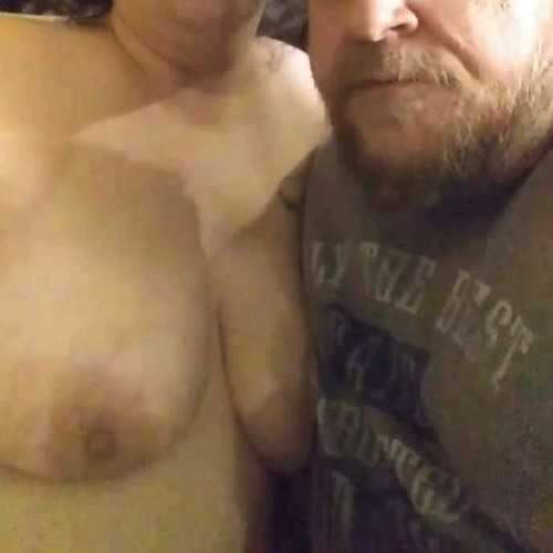 FREE porn pictures and short videos of vic_and_patty in United States