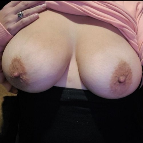 FREE porn pictures and short videos of hornywife06 in United States
