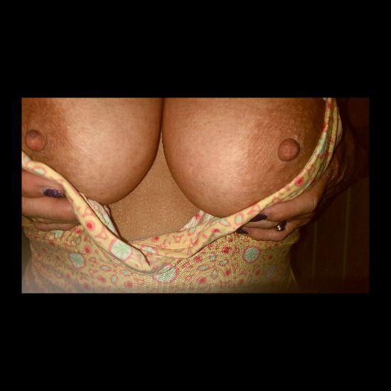 Viens voir les photos et vidéos SEXE de naughtynymph